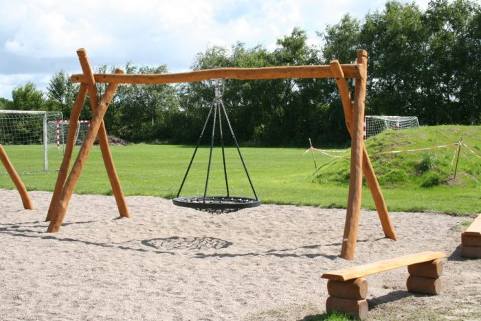 Robinia Birdnest Swing